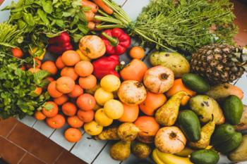 Fruits and vegetables are full of multiple vitamins